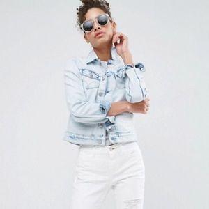 Dittos Sabrina Light Wash Denim Jacket NWT Medium